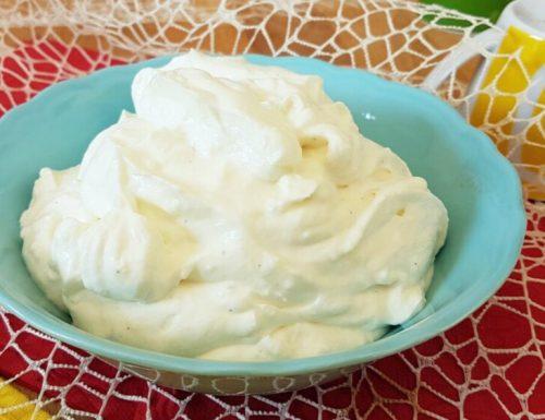 CREMA AL LATTE SENZA UOVA ricetta base e ricetta con ricotta e panna
