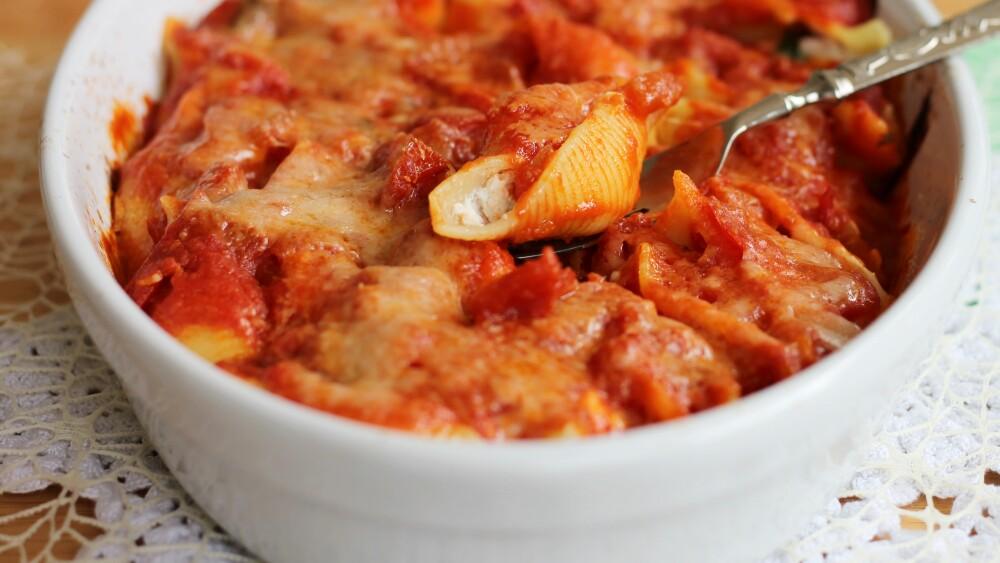 CONCHIGLIONI AL FORNO conchiglioni ripieni crema ricotta parmigiano
