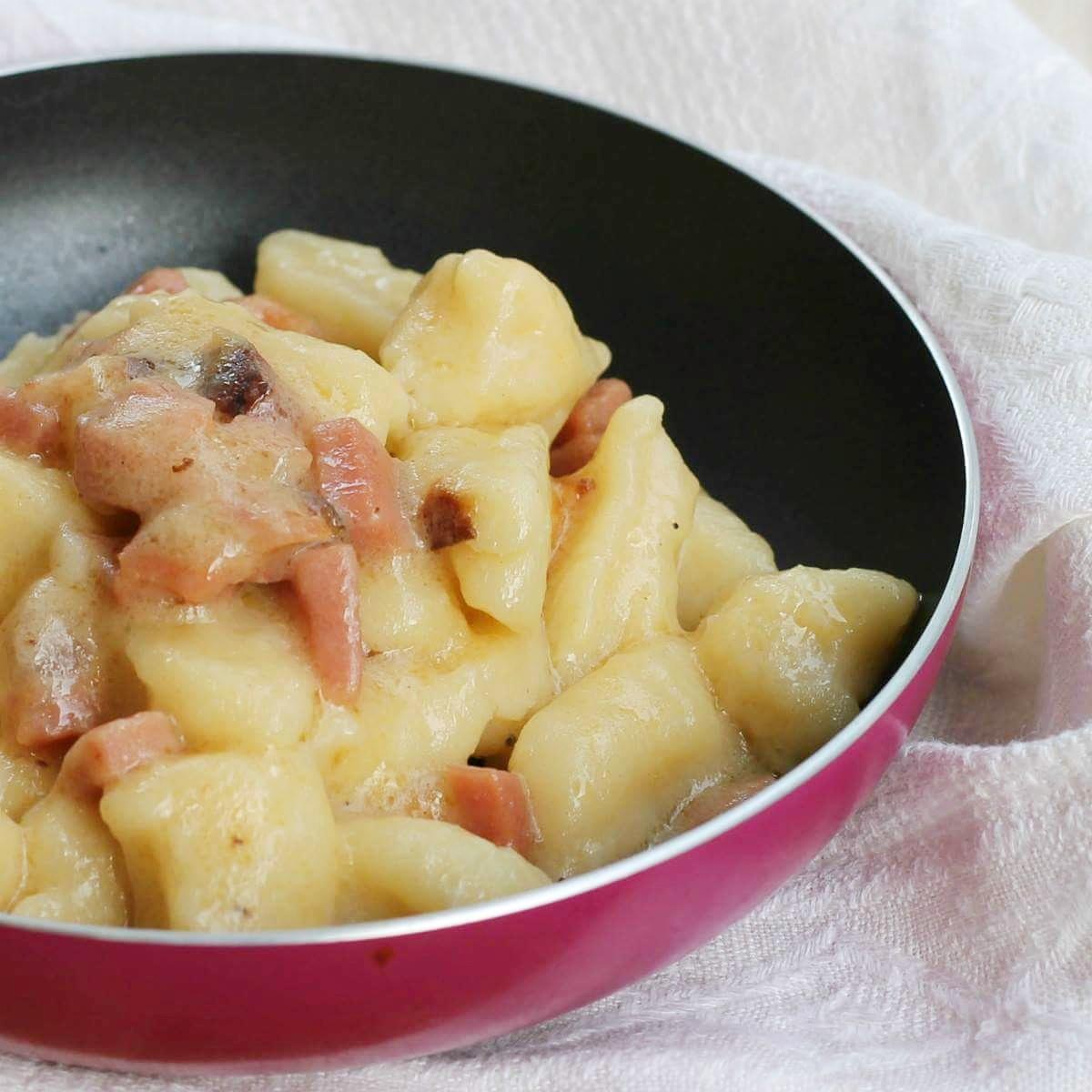 Ricetta Salsa Per Gnocchi Di Patate.Condimento Per Gnocchi Ricetta Gnocchi Cremosi Speck Parmigiano