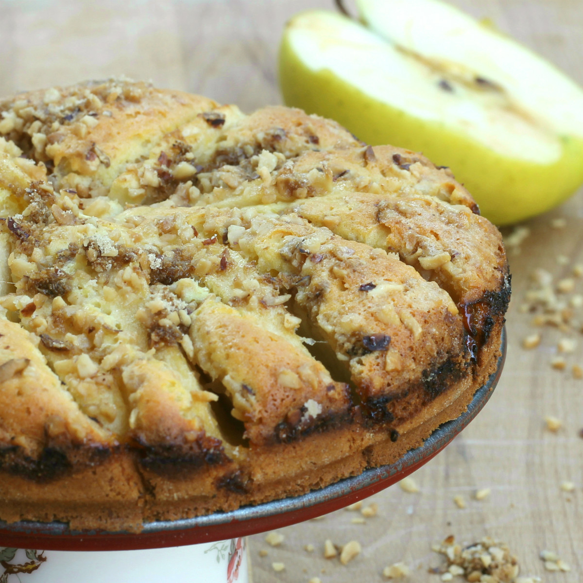 TORTA DI MELE E NOCCIOLE ricetta dolce | torta morbida con mele