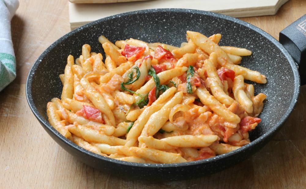 PASTA RUCOLA SALMONE POMODORINI ricetta pasta cremosa veloce