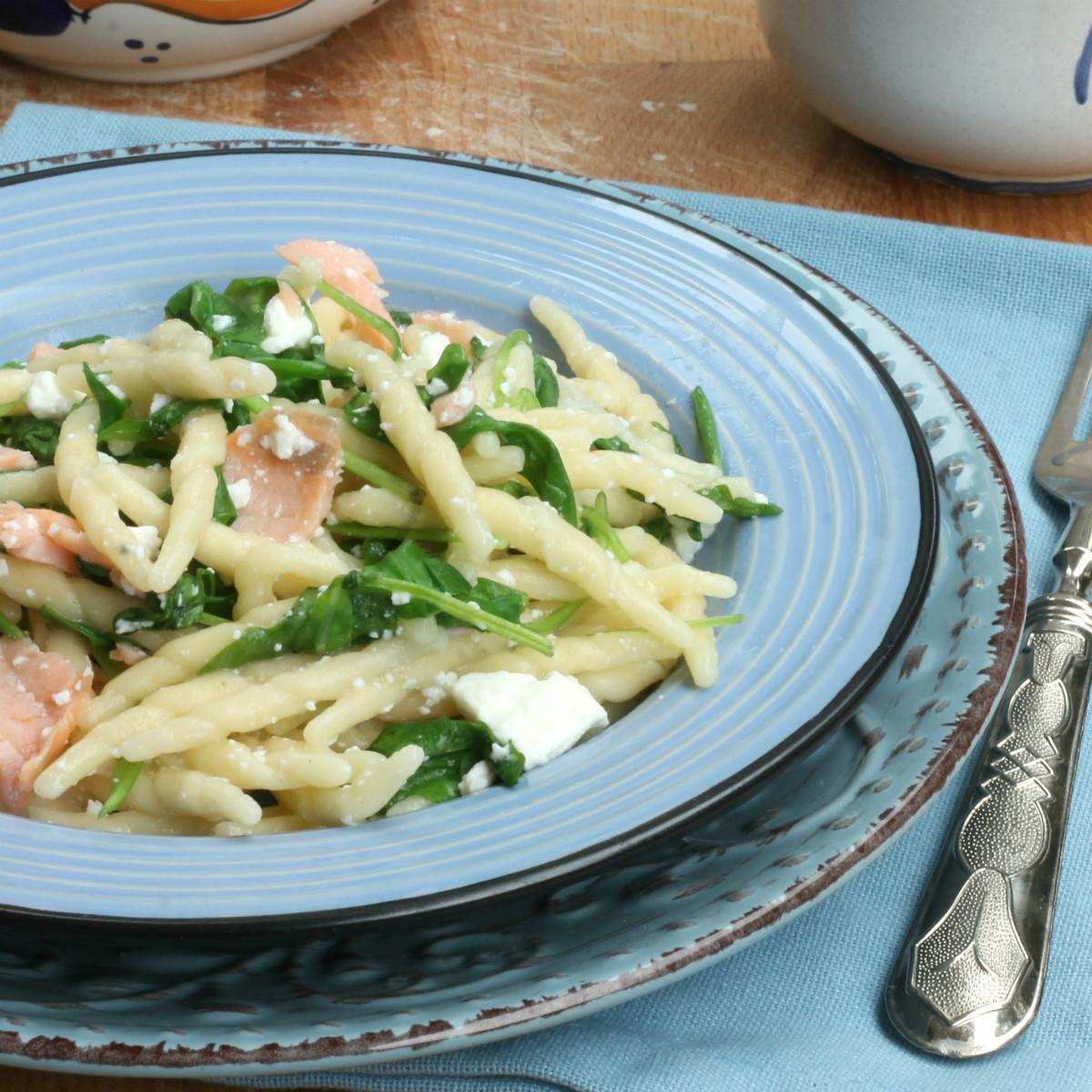 TROFIE CON SALMONE ricetta pasta fresca con salmone affumicato