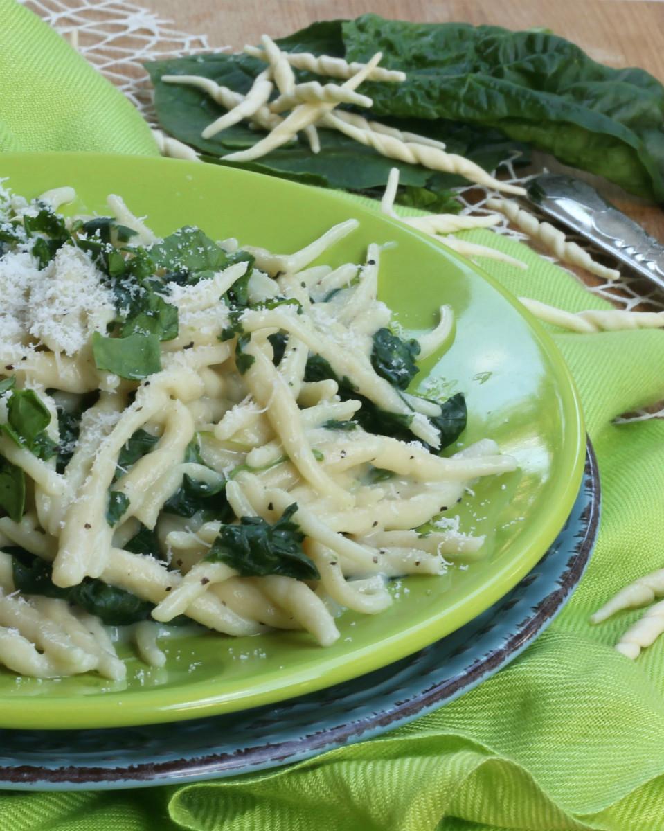 TROFIE CON SPINACI CREMOSE ricetta primo piatto con pasta fresca