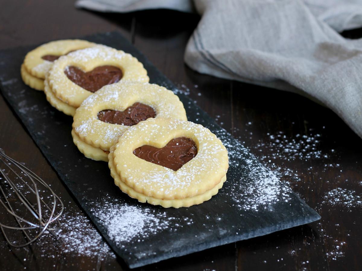 OCCHI DI BUE CON NUTELLA ricetta biscotti al burro farciti veloci