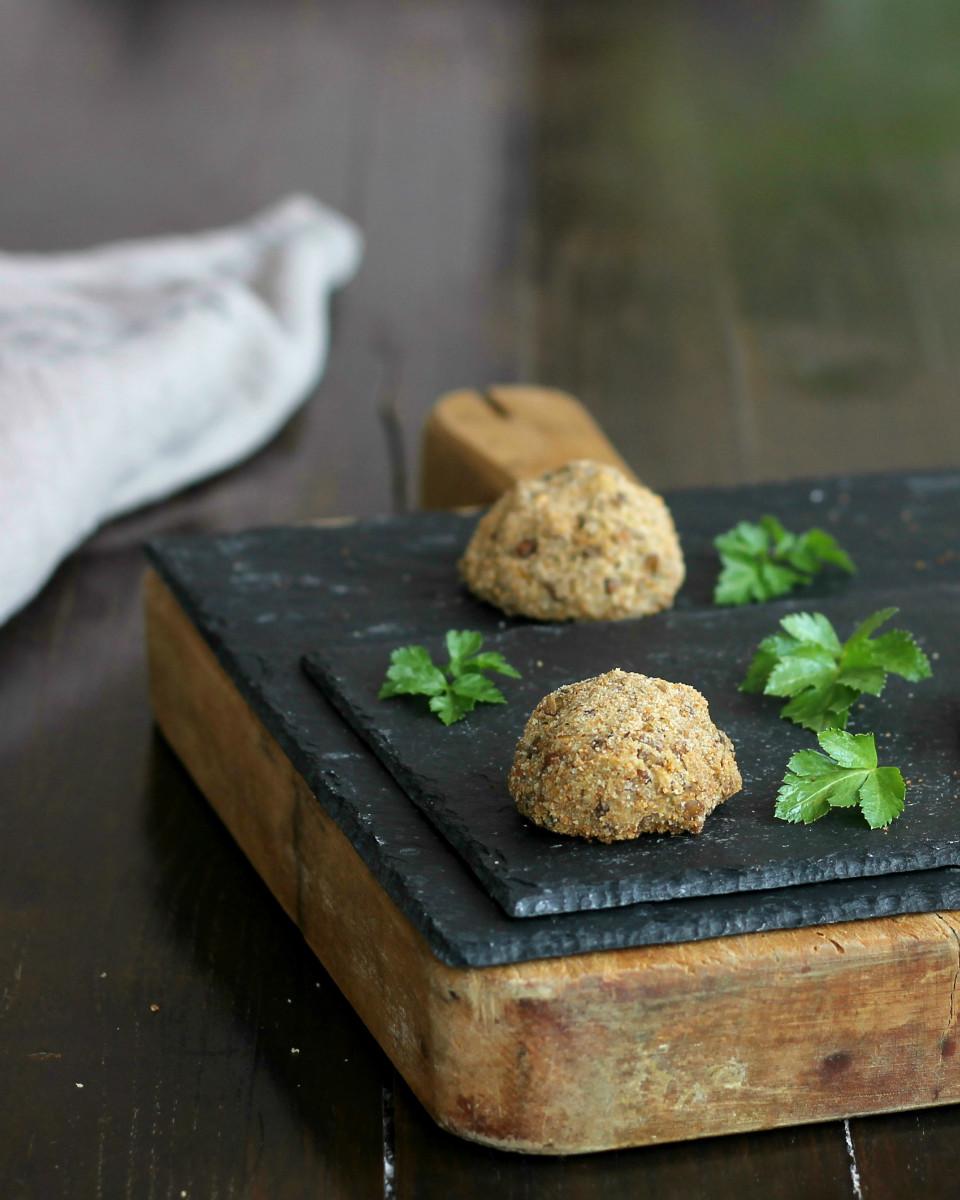 POLPETTE DI LENTICCHIE ricetta al forno o in padella