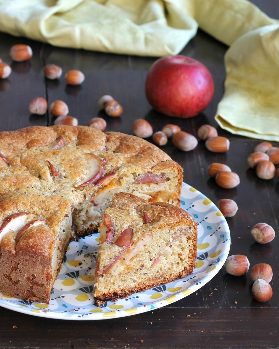 TORTA RUSTICA DI MELE ricetta torta di mele con nocciole
