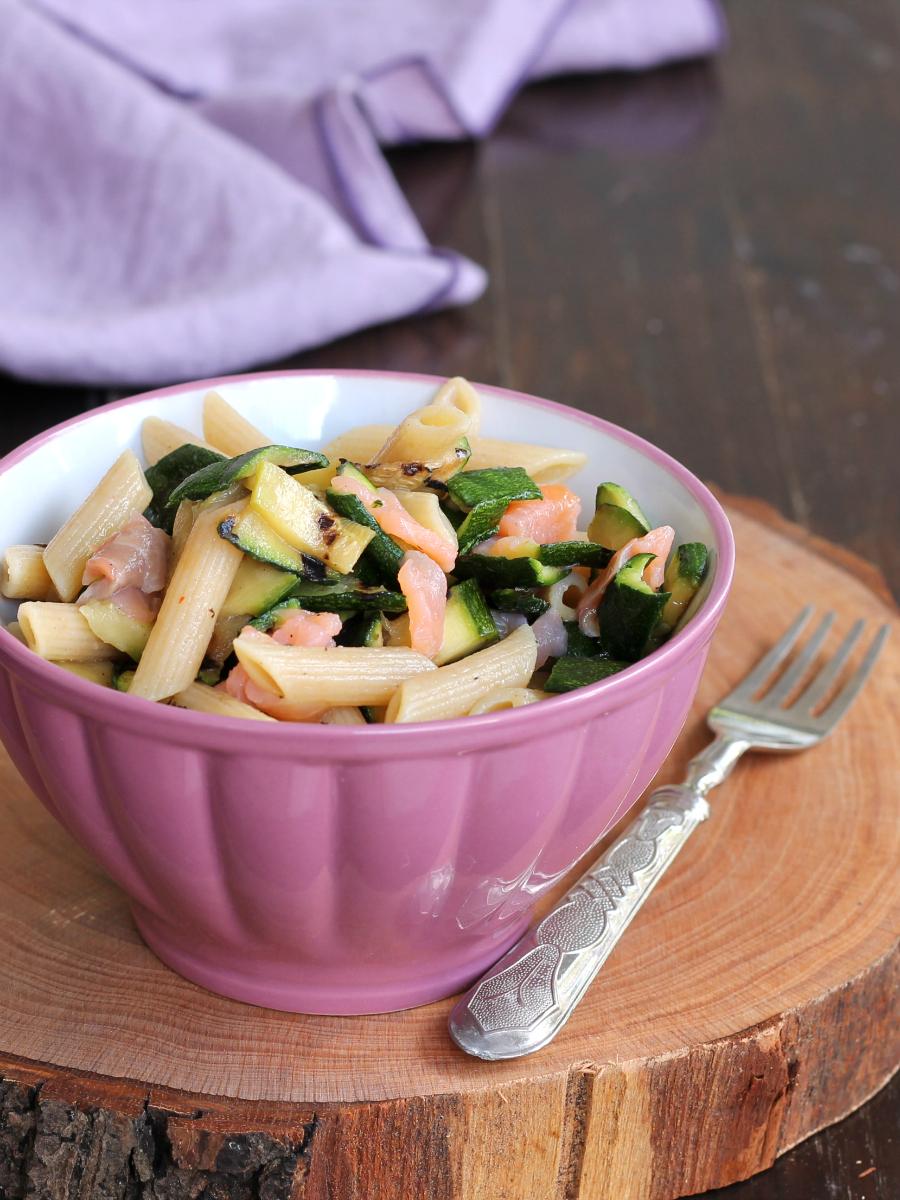 PASTA FREDDA ZUCCHINE SALMONE ricetta insalata fredda