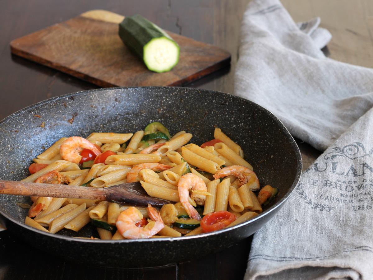 PASTA GAMBERI ZUCCHINE ricetta primo piatto di pesce