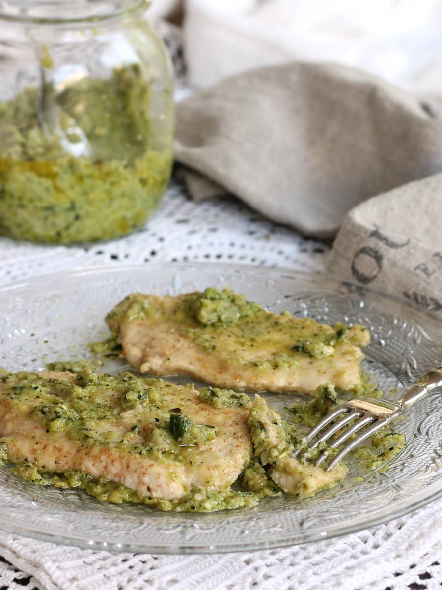 SCALOPPINE DI POLLO ricetta con salsa verde | secondo economico