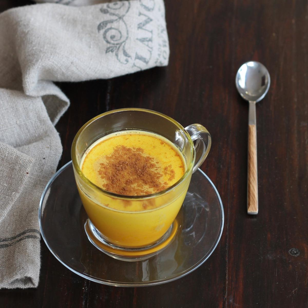 LATTE D ORO ricetta golden milk | ricetta tradizionale latte alla curcuma