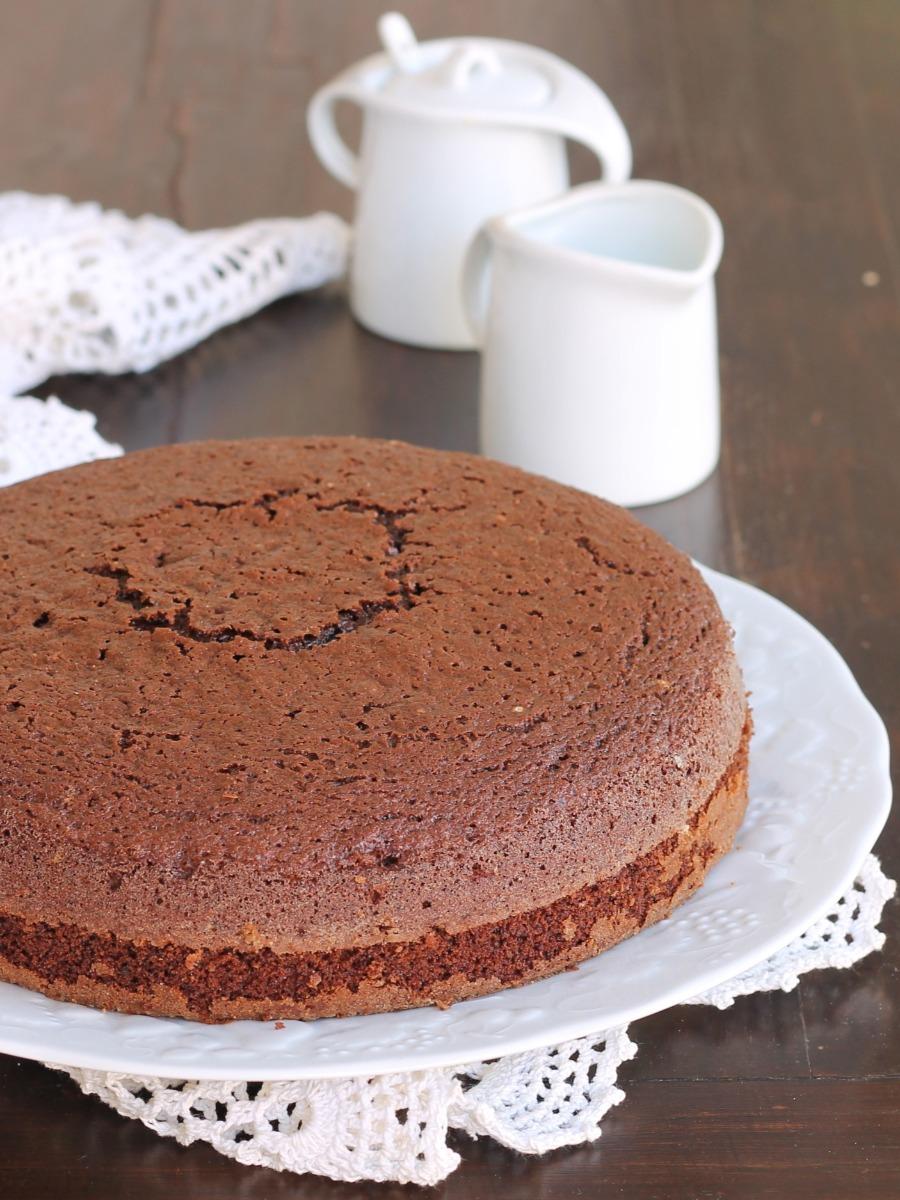 HOT MILK SPONGE CAKE AL CACAO torta al latte caldo al cioccolato