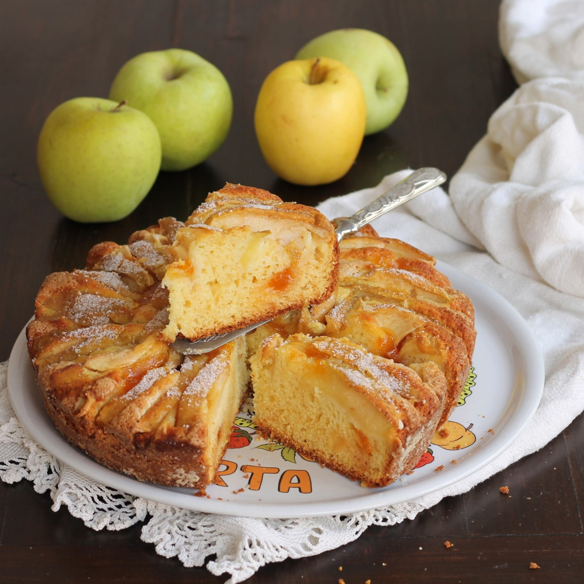 TORTA DI RICOTTA MELE E MARMELLATA ricetta dolce alle mele