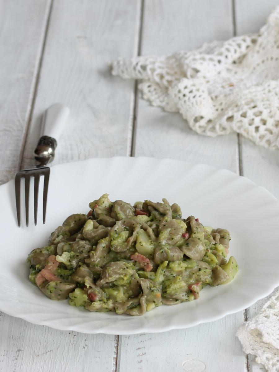 ORECCHIETTE SPECK E CREMA DI BROCCOLI ricetta broccolo barese
