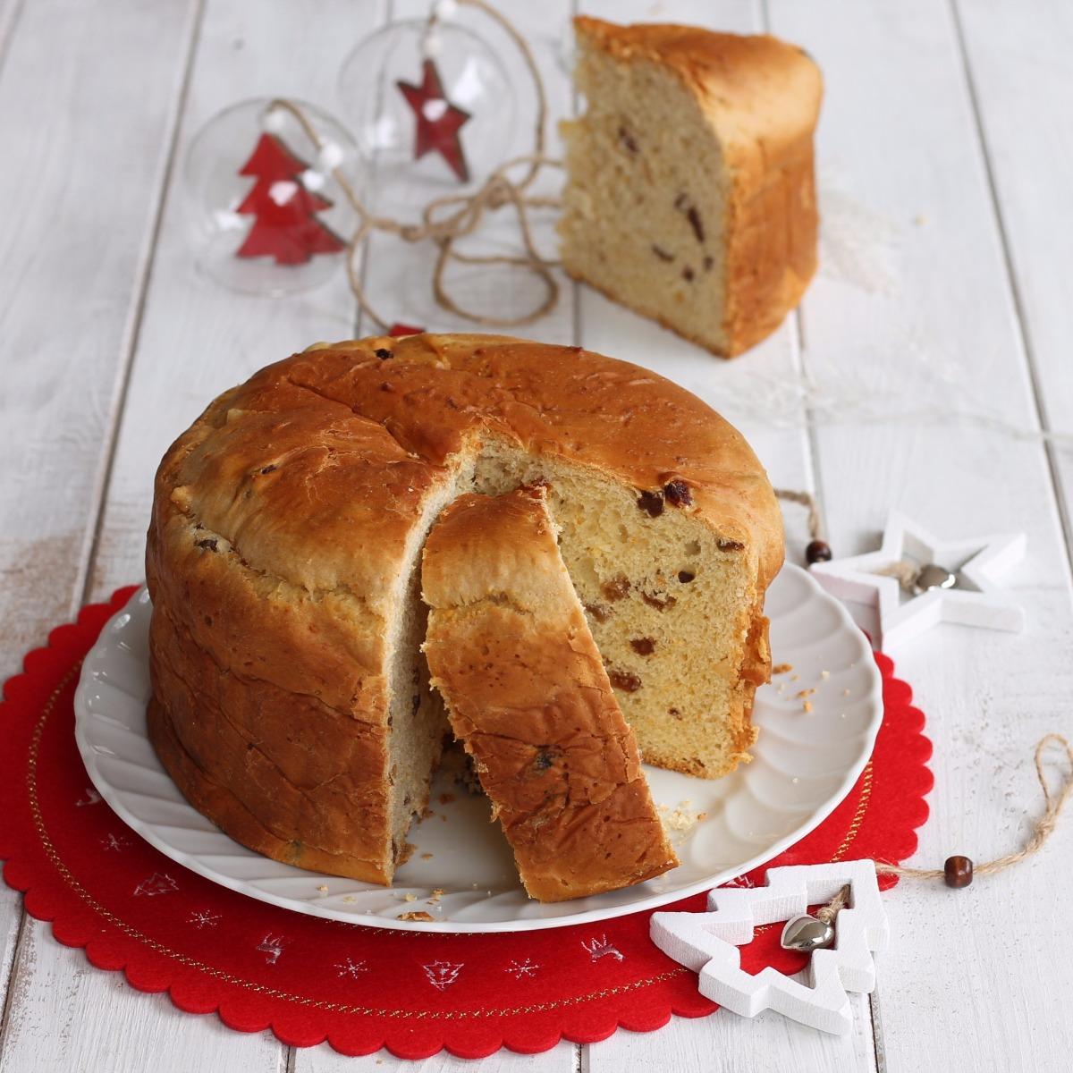 PANETTONE VELOCE CON UVETTA E CANDITI ricetta dolce di Natale