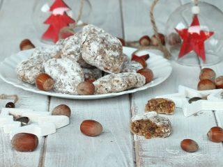 RICETTA RICCIARELLI ALLE NOCCIOLE FACILI biscotti senza burro