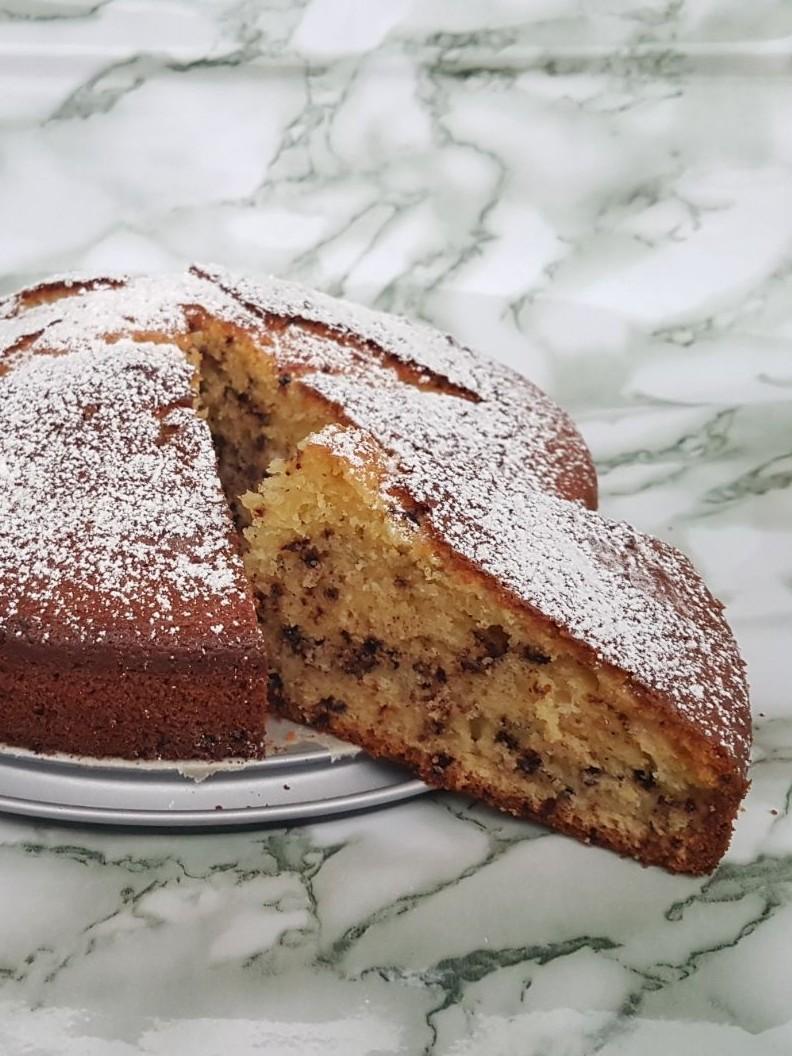 TORTA BANANA E GOCCE DI CIOCCOLATO ricetta torta allo yogurt