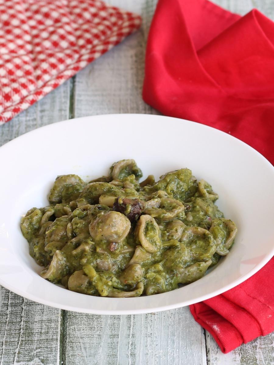 PASTA CON CREMA DI BROCCOLI ricetta con broccolo barese