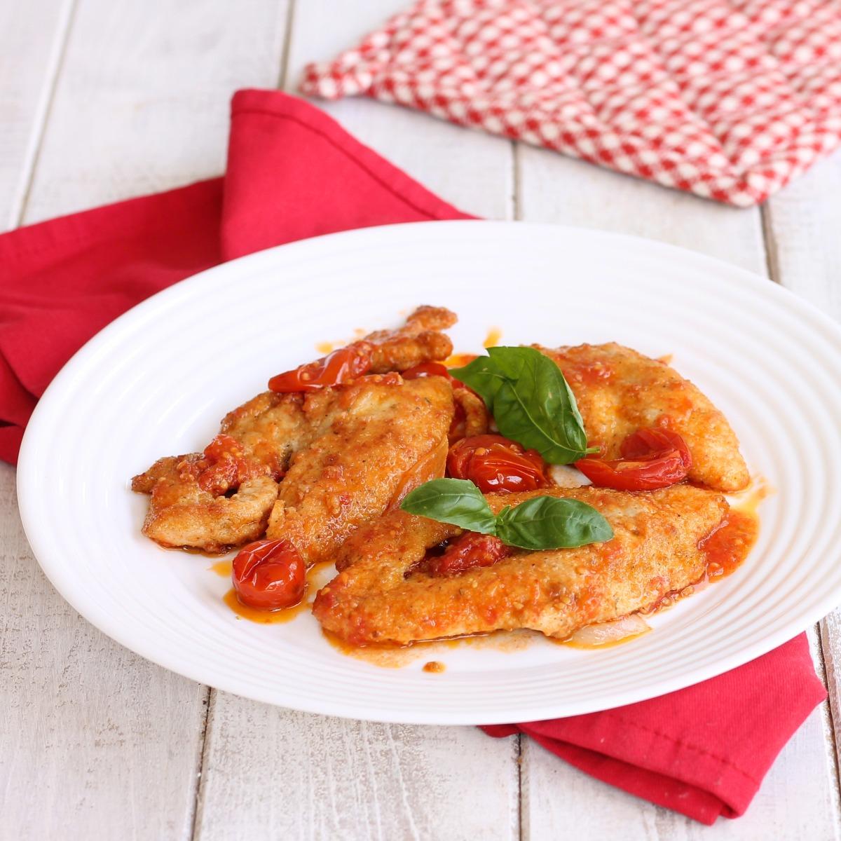 PETTO DI POLLO ALLA MEDITERRANEA ricetta pollo con pomodorini