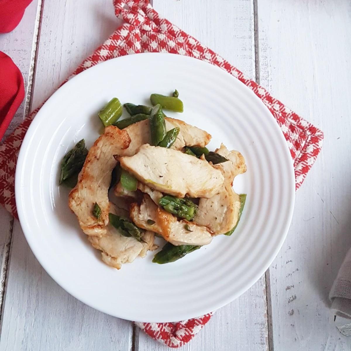 TAGLIATA DI POLLO AGLI ASPARAGI ricetta petto di pollo con asparagi