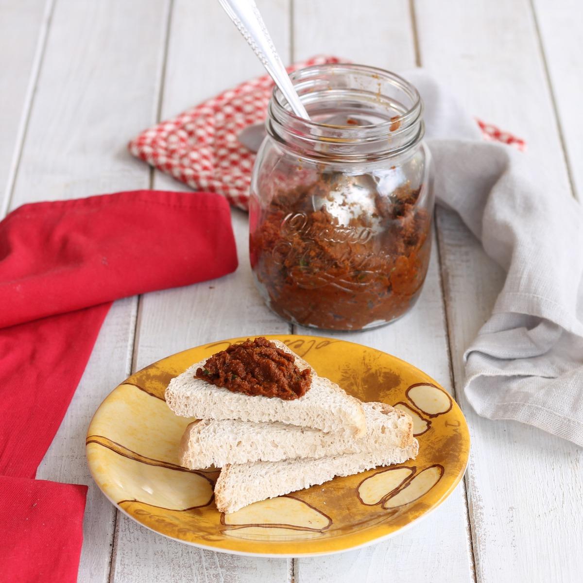 PESTO DI POMODORI SECCHI ricetta crema ai pomodori secchi senza cottura