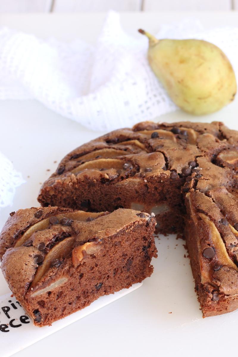 RICETTA TORTA PERE E CIOCCOLATO torta al cioccolato e pere fresche