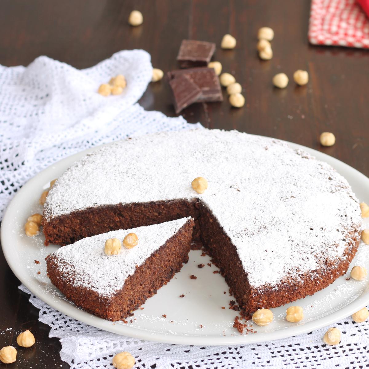 TORTA CAPRESE ALLE NOCCIOLE ricetta torta caprese senza burro