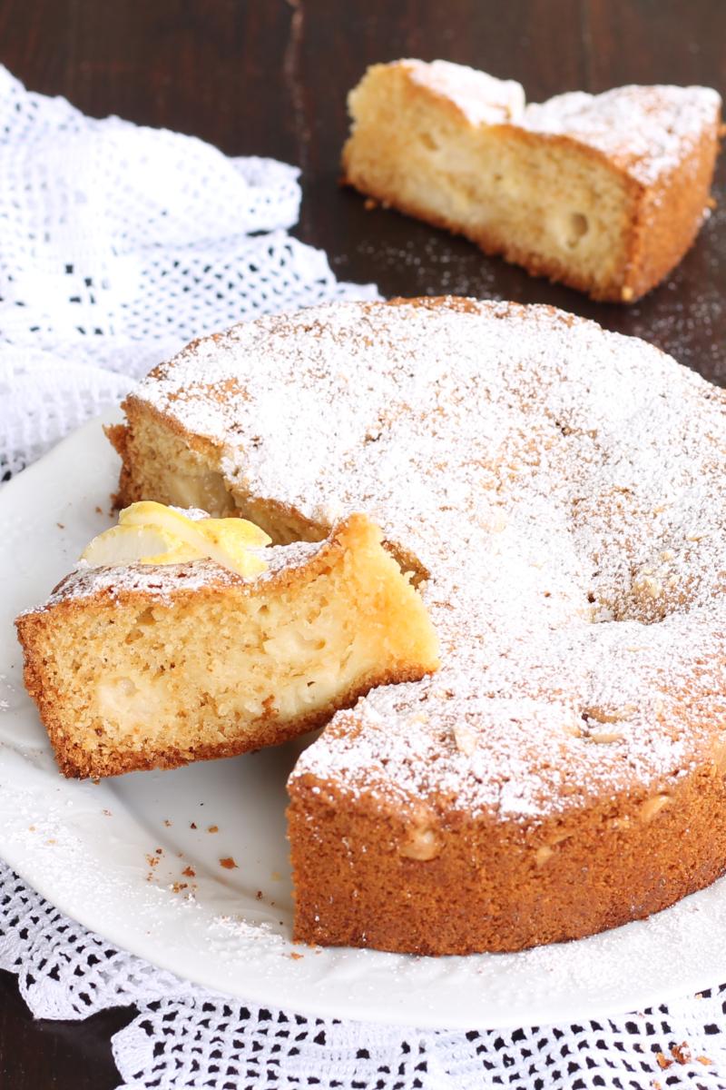 Torta Nua Mandorle Limone e Cioccolato Bianco