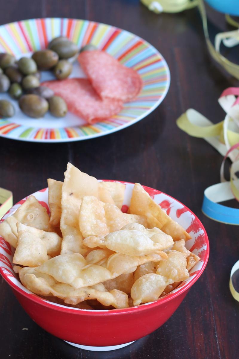 RICETTA CHIACCHIERE SALATE aperitivo sfizioso per Carnevale