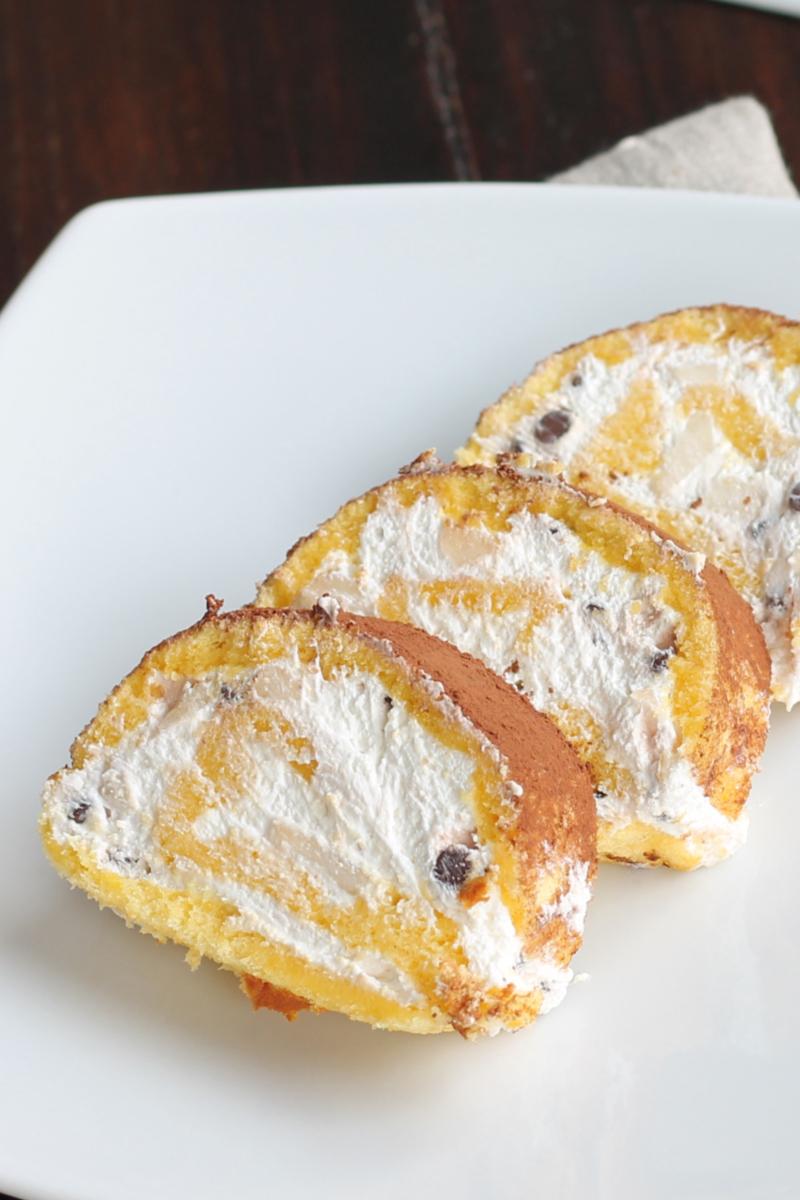 RICETTA ROTOLO RICOTTA PERE | pan di spagna arrotolato con crema