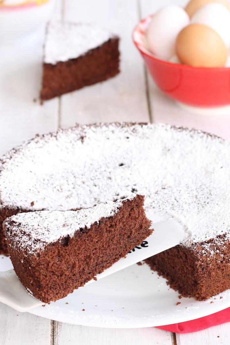 TORTA DEI BICCHIERI AL CACAO ricetta torta panna cacao 4 ingredienti