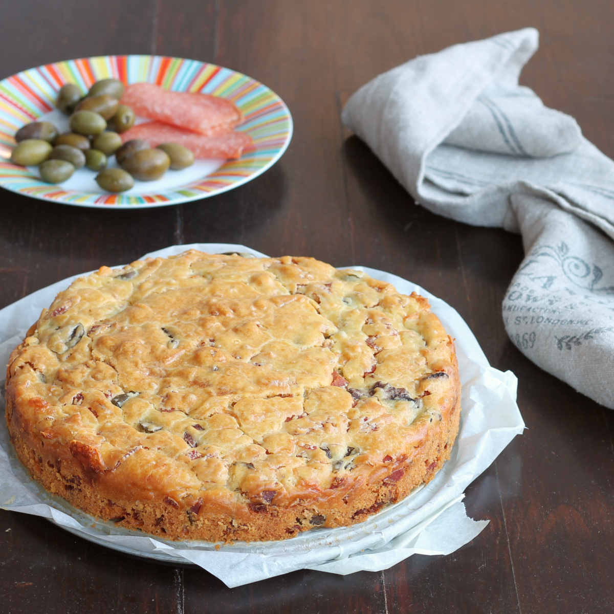 TORTA MORBIDA SALAME E OLIVE ricetta torta salata in 5 minuti