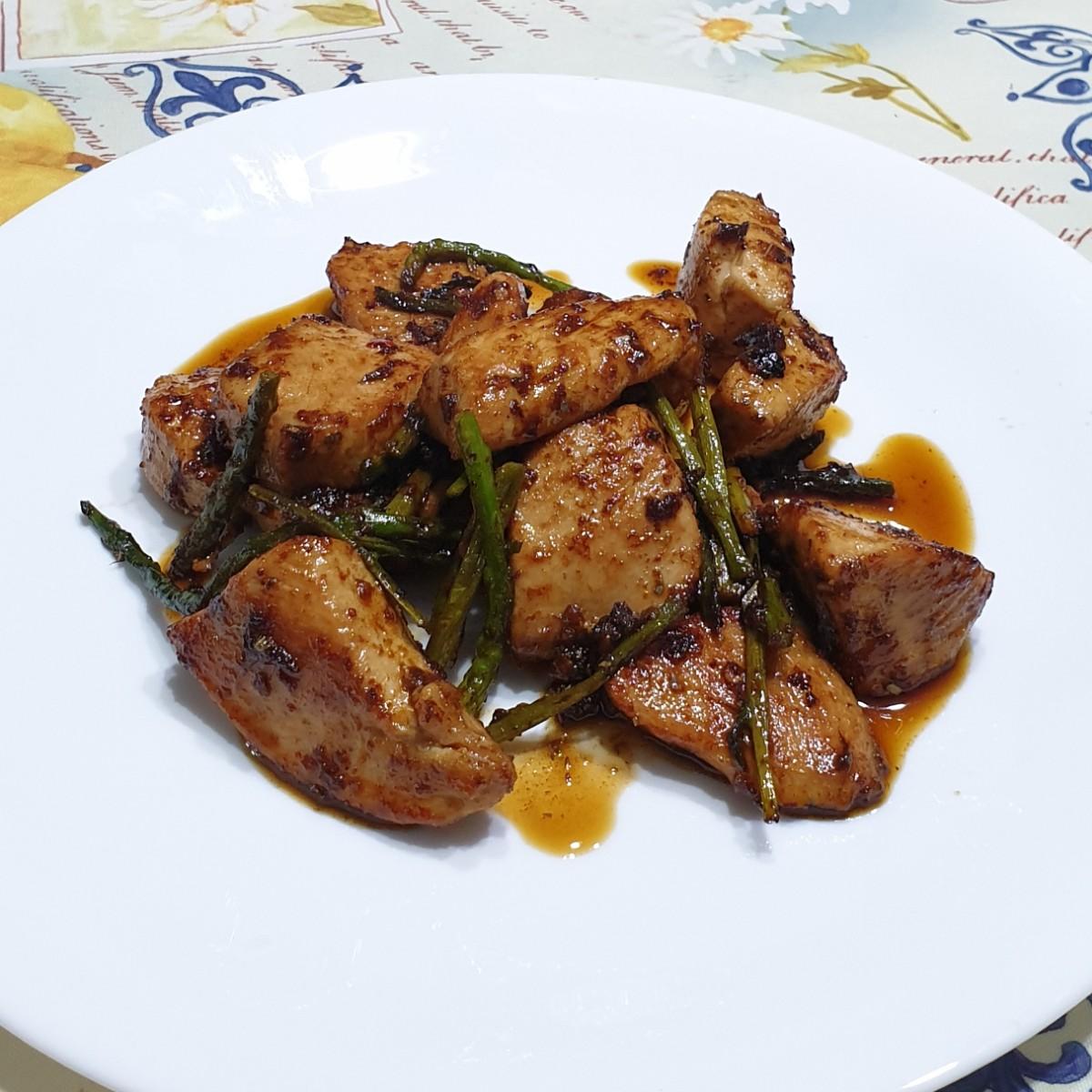 BOCCONCINI DI POLLO SPEZIATI AGLI ASPARAGI ricetta petto di pollo