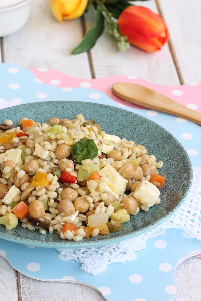 INSALATA ORZO CECI ricetta piatto unico estivo freddo | primo veloce