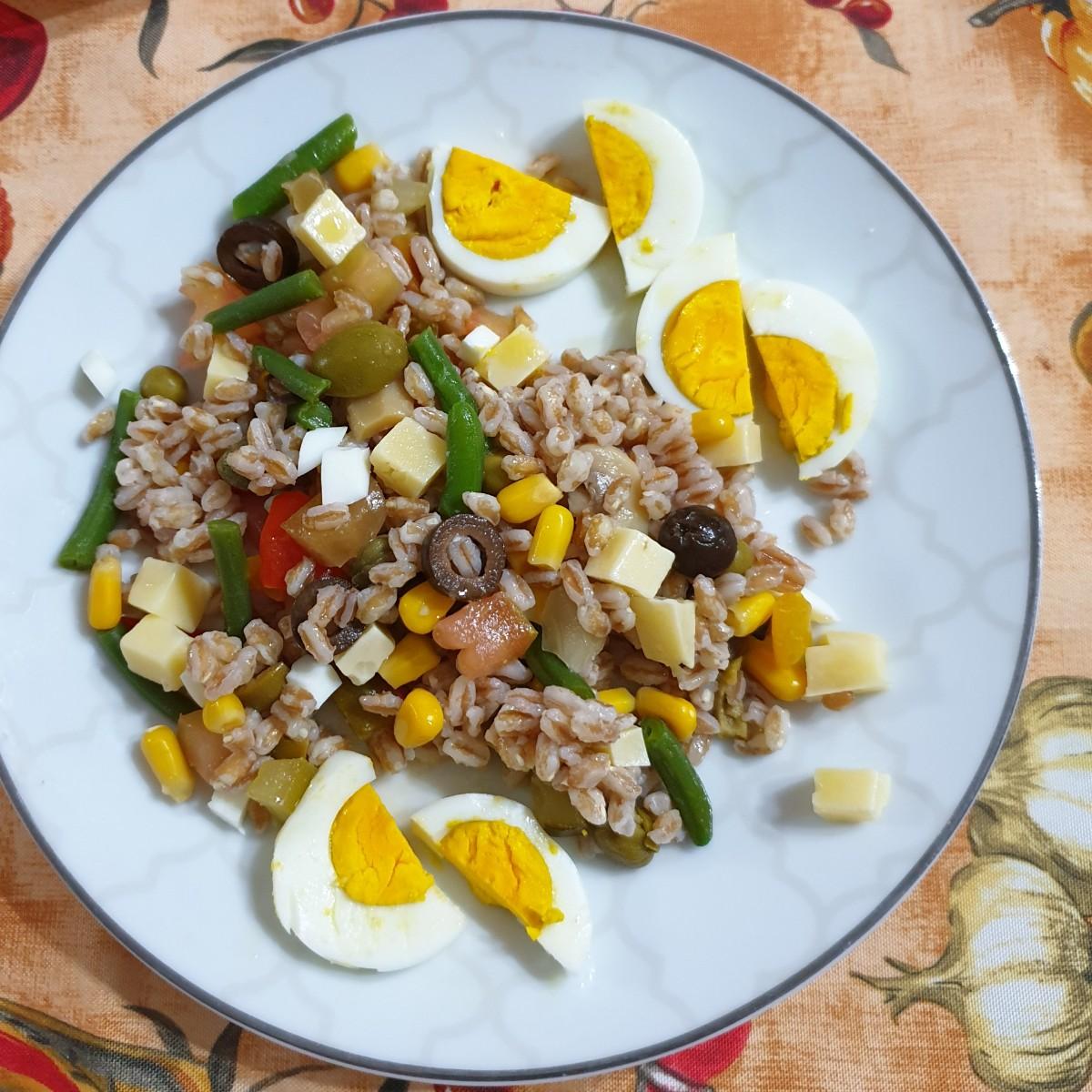 FARRO FREDDO UOVA FAGIOLINI ricetta insalata estiva fredda con farro