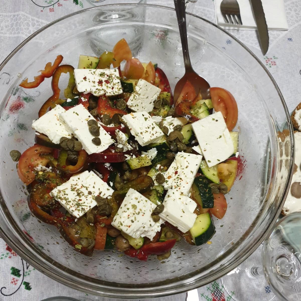 RICETTA INSALATA GRECA TRADIZIONALE insalata con formaggio feta