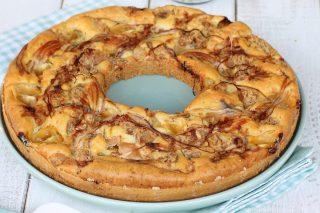 Ciambella bassa tonno cipolle rosse di Tropea | torta salata morbida veloce