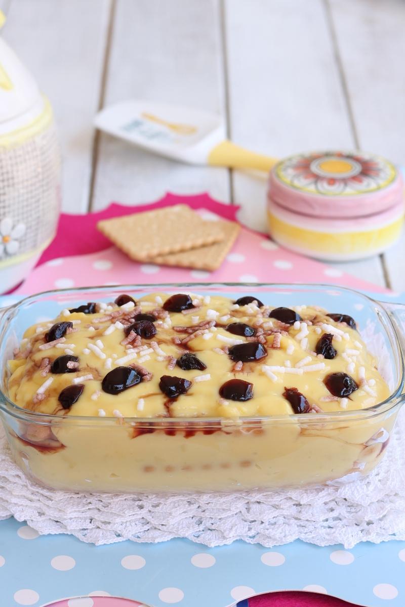 DOLCE PASTICCIOTTO SENZA FORNO ricetta biscotti crema amarene