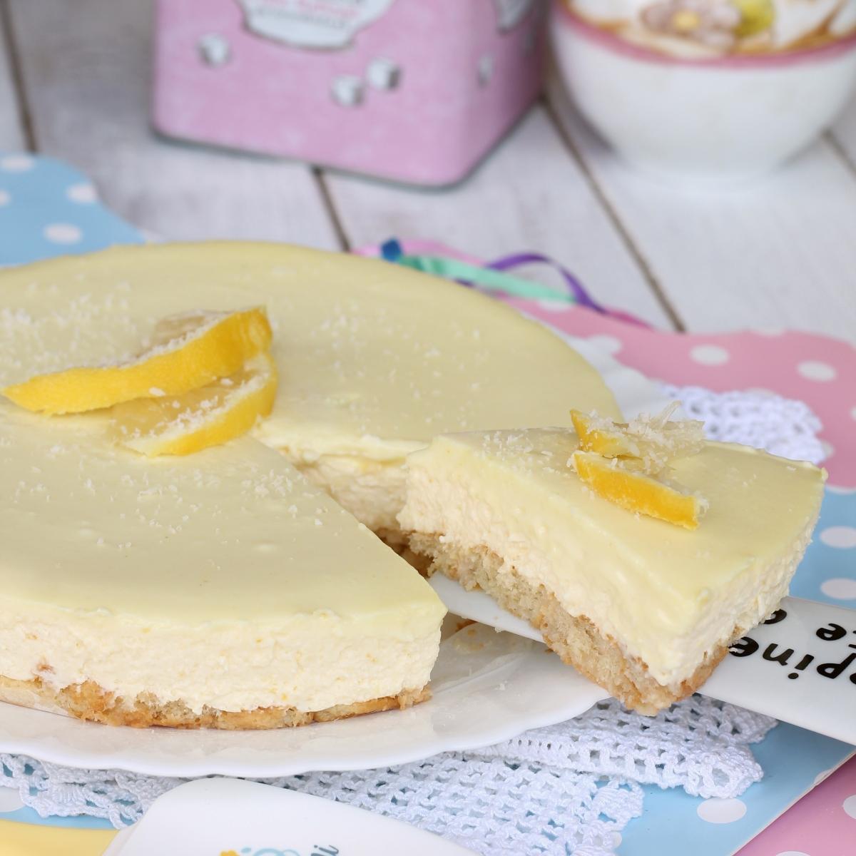Semifreddo yogurt limone cioccolato bianco | ricetta torta senza cottura