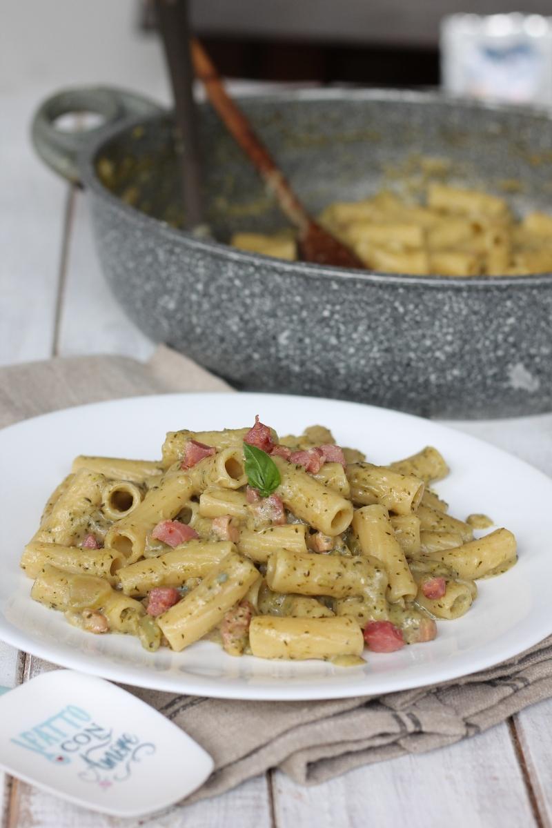 Pasta broccoli pancetta gorgonzola | ricetta pasra crema broccolo barese