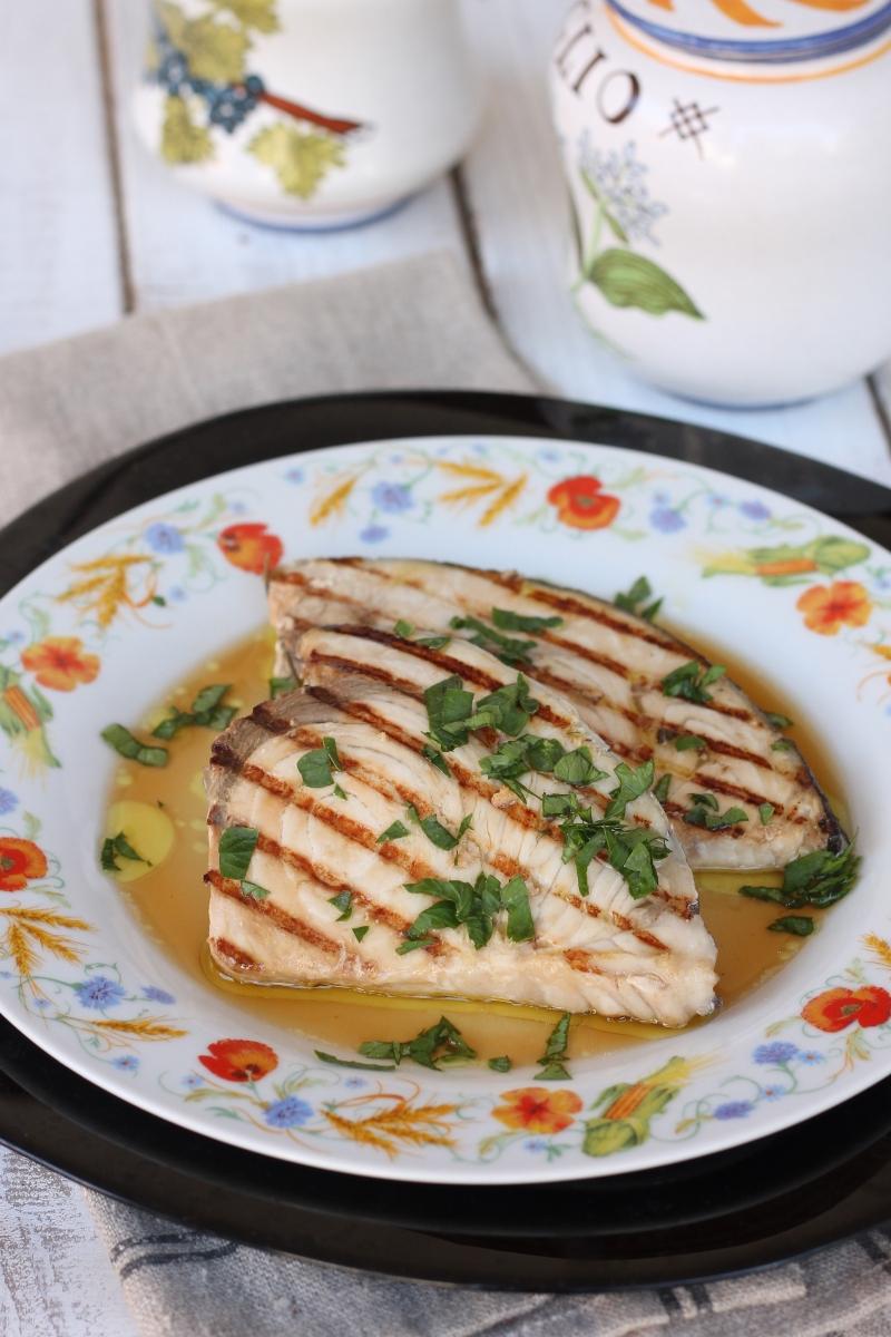Ricetta pesce spada alla piastra | pesce spada tenero marinato e grigliato