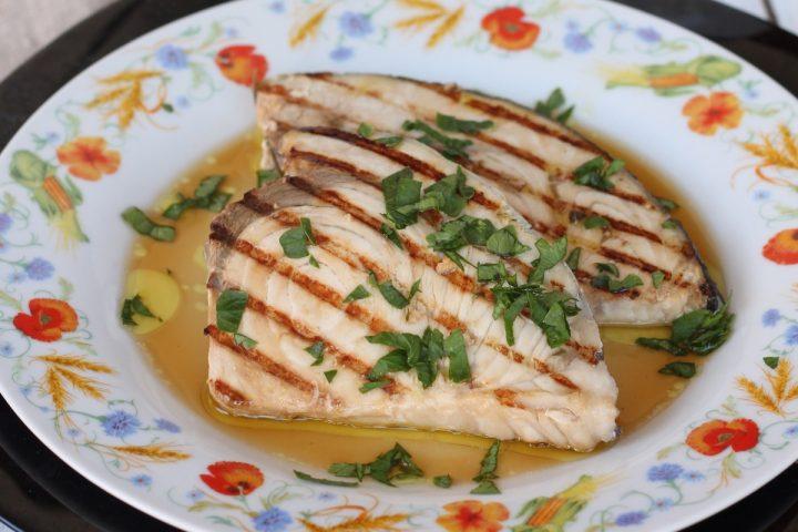 Ricetta pesce spada alla piastra   pesce spada tenero marinato e grigliato