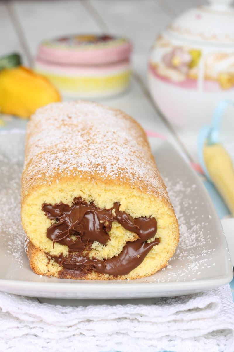 Ricetta Pan Di Spagna Rotolo.Rotolo Alla Nutella Ricetta Con Trucco Per Pan Di Spagna Arrotolato