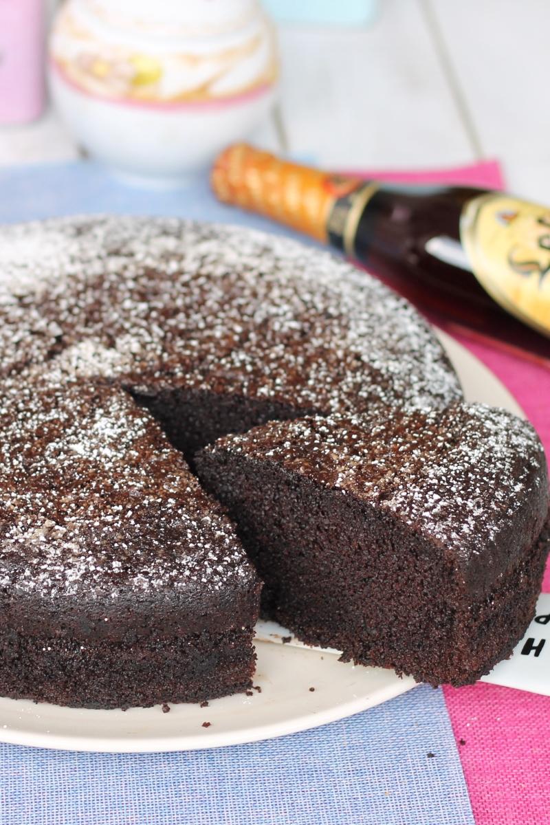 TORTA LEFFE AL CIOCCOLATO ricetta torta morbida birra e cioccolato