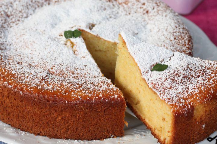 Torta allo yogurt greco morbidissima   ricetta dolce impasto allo yogurt