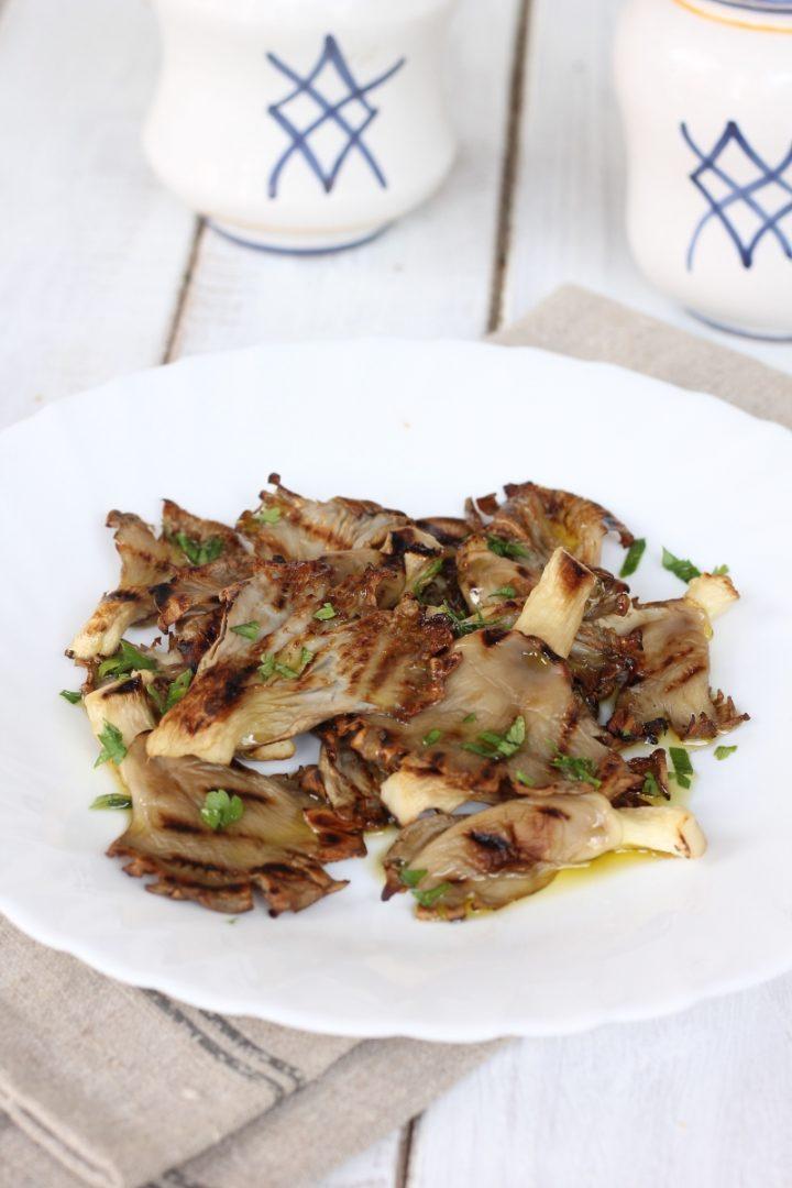 Funghi pleurotus grigliati | come fare i funghi alla piastra | ricetta contorno