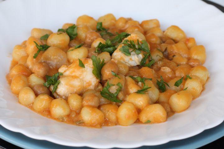 Gnocchi ceci e coda di rospo   ricetta gnocchi di patate con rana pescatrice