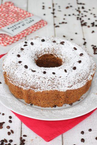 Ciambella noci e caffè | ricetta torta morbida con impasto al caffè espresso