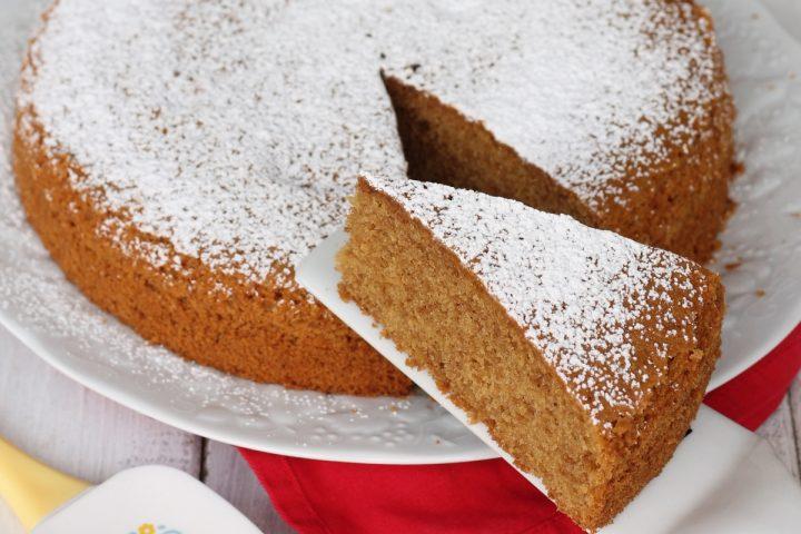 Ricetta torta light alle nocciole | torta sofficissima senza burro con poco olio
