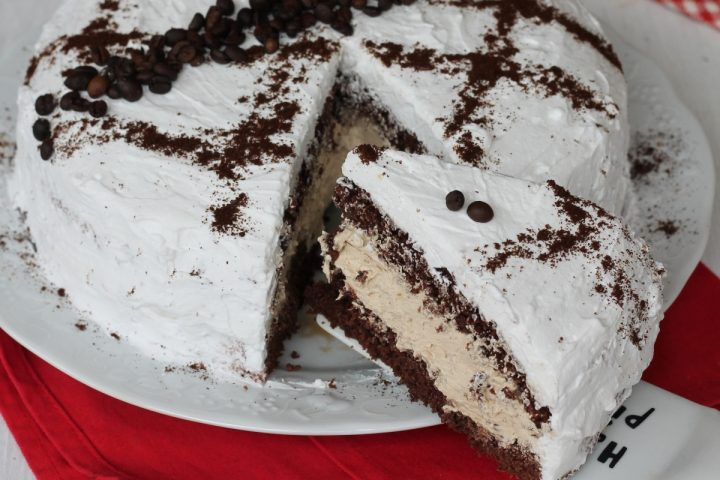 Torta paradiso cioccolato caffe'   ricetta torta al cacao con crema paradiso