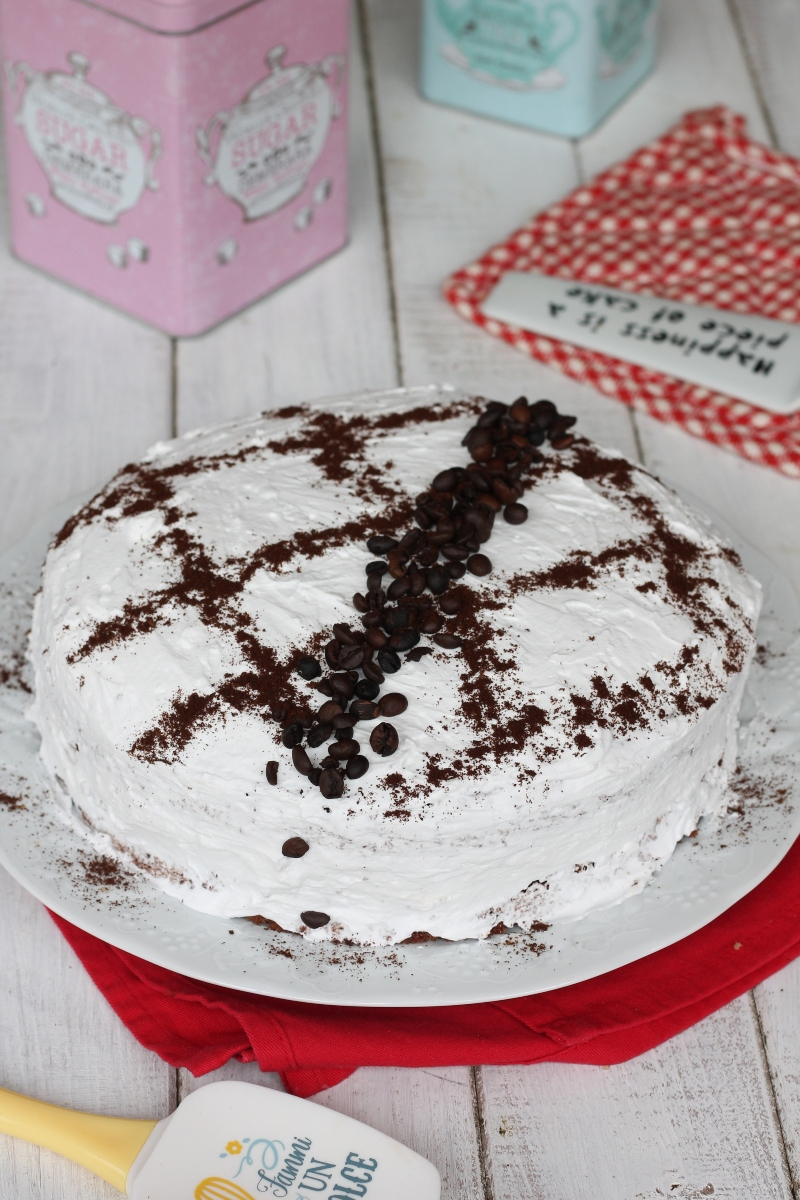 Torta paradiso al cioccolato caffe'   ricetta torta al cacao con crema paradiso